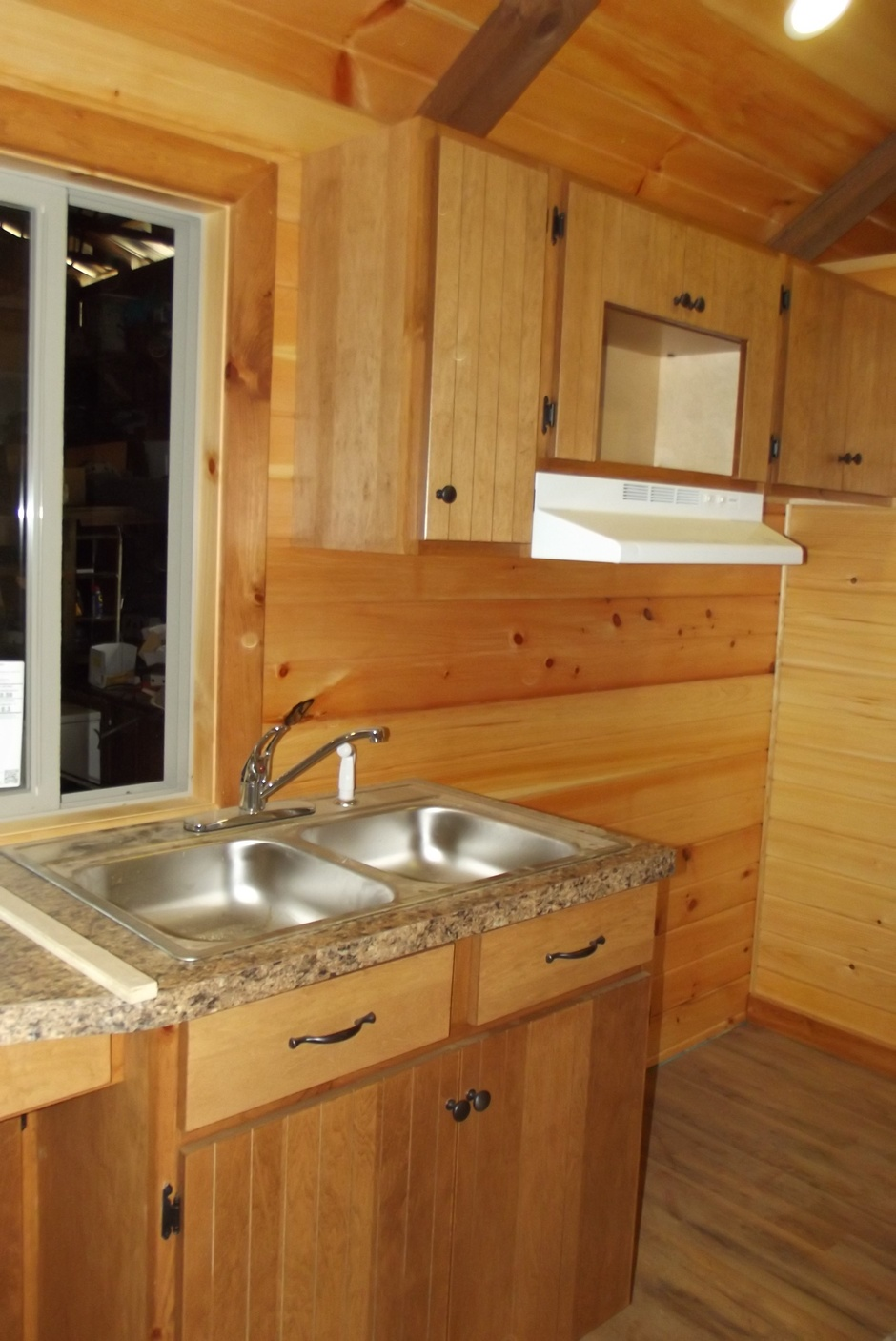 tinyhome_largermodelkitchen